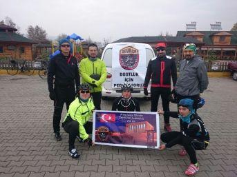Atatürk'ü Anmak İçin 250 Km Pedal Çevirdiler