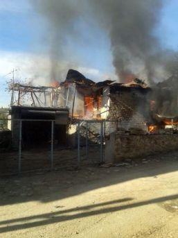 Köy Evi Yangında Kül Oldu