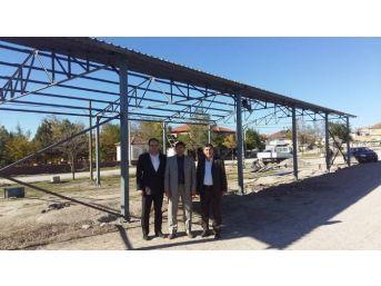Sandıklı'da Köylere Çok Amaçlı Kapalı Alanlar Yapılıyor