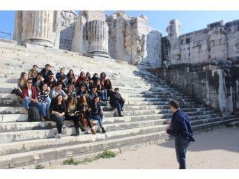 Geleceğin Mimarları Apollon Tapınağı'nda Buluştu