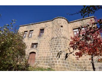 (özel Haber) Bitlis'teki Tarihi Evler Fotoğraflandı