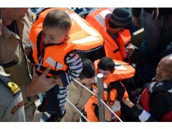 10 Ayda 78 Bin 646 Göçmen Denizde Kurtarıldı