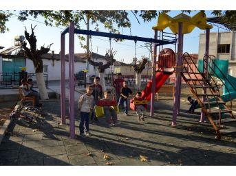 Çocukları Mutlu Eden Hizmetler Devam Ediyor
