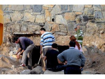 Bodrum'da İnşaat Çalışmasında Tarihi Mezar Bulundu