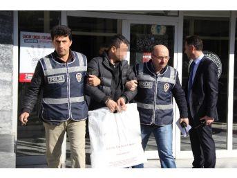 Samsun'da Bir Evde 2 Çelik Yelek Ve Silah Ele Geçti