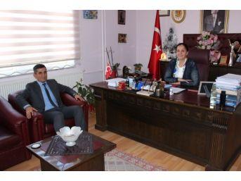 Özdemir'den Saltukova'da Ziyaretlerde Bulundu