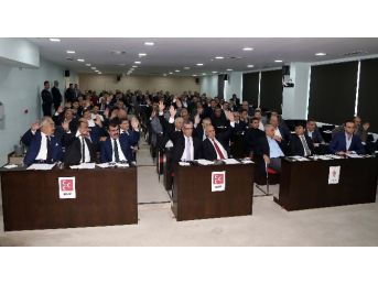 Carrefoursa Ve Forum Avm Meclis'ten Geçti
