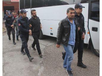 Terör Operasyonunda Yakalanan 20 Kişi Adliyeye Sevk Edildi