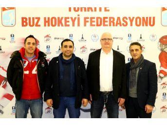Alman Buz Hokeyi Antrenörü Tursos, Türkiye'de Takım Çalıştırmak İstiyor