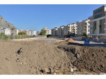 Hurma Mahallesi'ne Yeni Park Startı Verildi