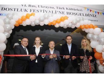Türk-rus-ukrayna Dostluk Festivali'nde Barış Mesajı