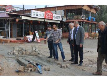 Başkan Atabay, Akbük'te Yağmur Suyu Hattı Çalışmalarını İnceledi