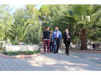 Didim'de Mezarlık Düzenleme Çalışmaları Devam Ediyor