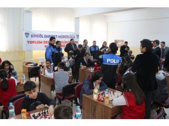Bingöl'de Satranç Turnuvası