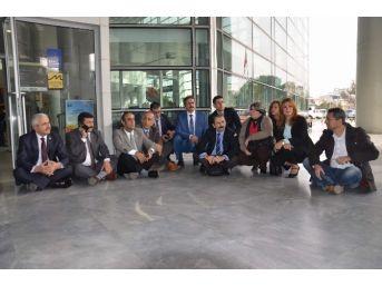 Bursa'da Öğretmenlerden Oturma Eylemi