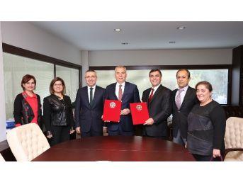 Büyükşehir Belediyesi İşkur'la Protokol İmzaladı