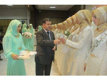 Elazığ'da 20 Hafız Diploma Aldı