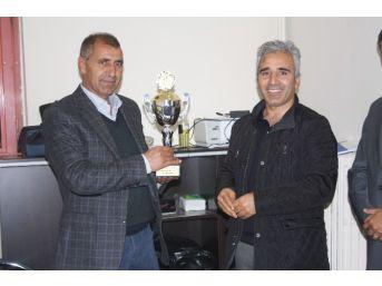 Olgunlar Ligi Şampiyonu Şavakspor