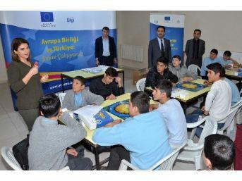 """Erzurum Ab Bilgi Merkezi'den Öğrencilere """"evropa"""" Oyunu"""