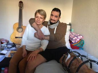 (özel Haber) Genç Müzisyen Ameliyat Olamazsa Bacağını Kaybedecek