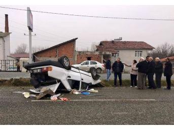 Orta Refüje Çarpan Otomobil Takla Attı