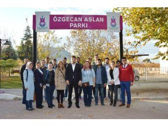 Ak Partili Gençler Özgecan'ı Unutmadı