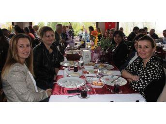 Alaşehir Sağlık-sen, Ak Partili Yöneticilerle Kahvaltıda Buluştu