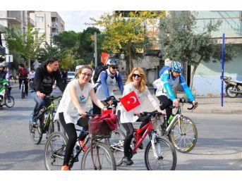 Bisikletçiler Başöğretmen İçin Salihli'de Buluştu