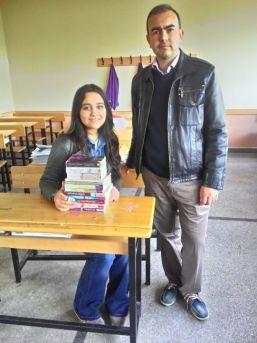 Öğretmen Teşvikiyle Kitap Kurdu Oldu