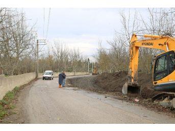 Sapanca Belediyesi Kurtuluş Caddesi'ni Yenileniyor