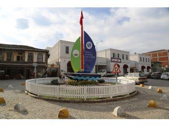 Sapanca Turizm Fakültesi Panosu Çevresi Düzenlendi