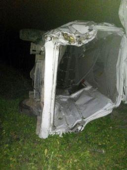 Kapalı Kasa Kamyonet Uçuruma Yuvarlandı: 2 Yaralı