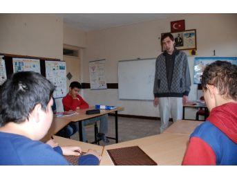 Görme Engelli Gencin Öğretmenlik Hayali Gerçek Oldu