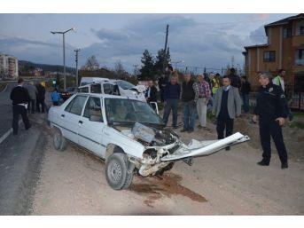 Niksar'da Trafik Kazası: 4 Yaralı