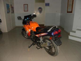 Çaycuma'da Motosiklet Hırsızları Yakalandı