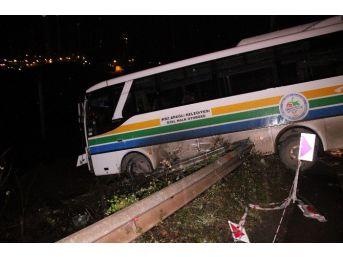 Halk Otobüsünü Uçuruma Düşmekten Bariyerler Kurtardı