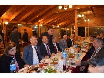 Belediye Başkanları Karataş'ta Buluştu