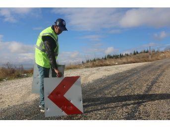 Eskişehir'de Yılda 700 Bin Tl Trafik Levhalarına Gidiyor