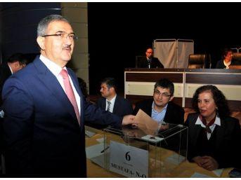 Prof. Dr. Mustafa Şahin, Rektörlük Adayı Seçiminde En Yüksek Oyu Aldı