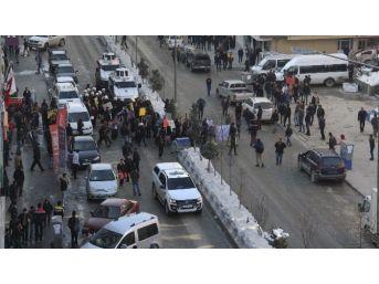Hakkari'de 'kadın Şiddetine Hayır' Yürüyüşü