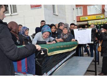Almanya'da Ölen Kardeşler Balıkesir'de Toprağa Verildi