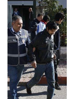 Antalya'da Oto Hırsızlığı: 3 Gözaltı