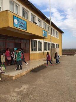 Ödemiş'ten Siverek'teki Okula Kitap Desteği