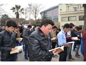 Ülkü Ocakları Sokak Ortasında Kitap Okudu