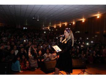 Erdemli Belediyesi, Öğrencilere Karne Hediyesi Konser Düzenledi