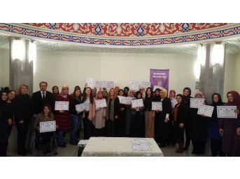 Altındağ'ın Girişimci Kadınları Sertifikalarını Aldı