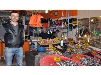 (özel Haber) Balık Tezgahında Yüzler Gülüyor