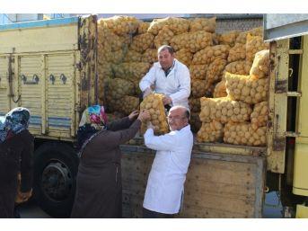 Niğde Belediyesinden Bin Aileye 20 Ton Patates Yardımı