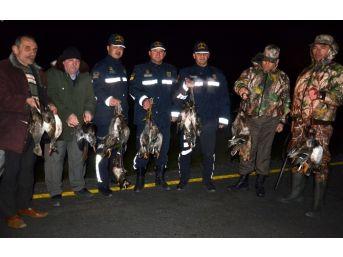 Avcı Kılığına Girerek Kaçak Avcıları Yakaladılar