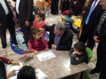 Milletvekili Boynukara'ya Minik Çocuklar Ve Kursiyerlerden İlgi